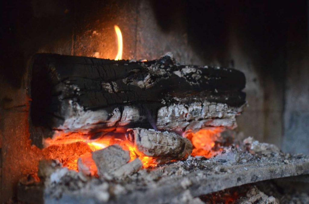 eld i skorstensfri kamin